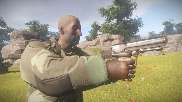 Пистолет в руках сбоку