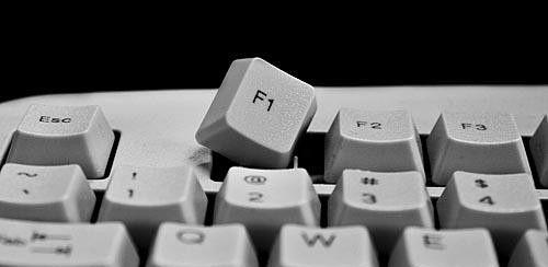 Клавиша F1 дл открытия консоли в Rust