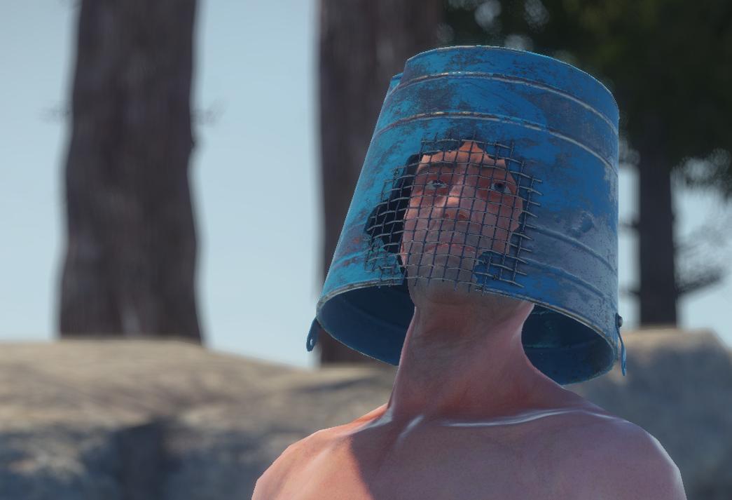 Шлем из ведра
